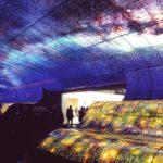 """Al CES di Las Vegas LG crea una """"cascata"""" di colore"""