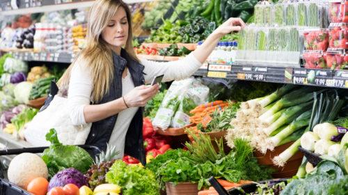 Una nuova generazione di LED a infrarossi a banda larga consentirà ai consumatori di determinare la freschezza o gli ingredienti degli alimenti tramite gli smartphone