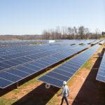 Apple supera l'obiettivo energia pulita grazie all'impegno di nuovi fornitori