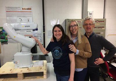 Il team di ricerca del Dipartimento di Ingegneria Industriale dell'Università di Pavia vince un robot industriale Epson VT6