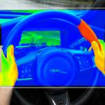 Jaguar Land Rover: il volante aptico aiuta a concentrare l'attenzione sulla strada