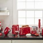 KitchenAid celebra 100 anni  con la nuova collezione Regina di Cuori e la Macchina per il Sottovuoto da 14 cm