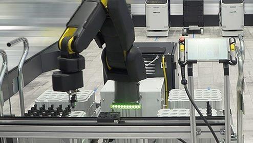 Bosch Rexroth sviluppa un braccio in pelle robotica che protegge l'operatore