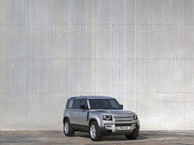La nuova Land Rover Defender fa il suo debutto a Francoforte