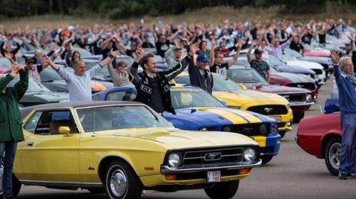 Ford stabilisce il nuovo record mondiale per la parata di Mustang più grande di sempre