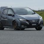 Nissan presenta un nuovo prototipo di veicolo elettrico con doppio motore e tecnologia All-Wheel Control