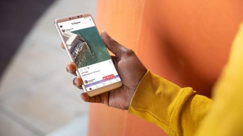 La maggior parte dei giovani italiani cambia il proprio smartphone solo quando non funziona più