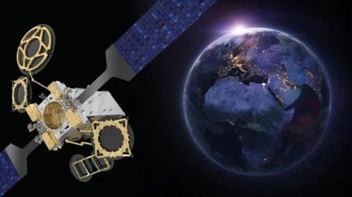 Eutelsat commissiona il satellite EUTELSAT 10B per i servizi di connettività aerea e marittima