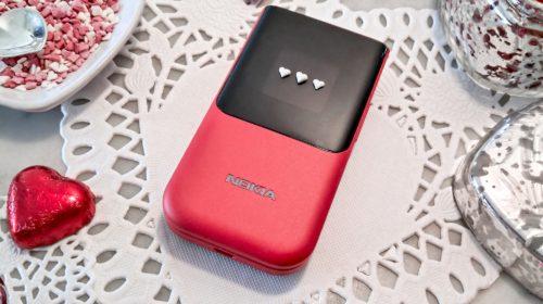 Nokia 2720 Flip si veste di rosso