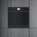 Whirlpool presenta il nuovo forno W Collection Black Fiber