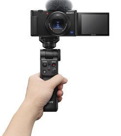 Sony amplia la gamma di soluzioni per i vlogger con la nuova vlog camera ZV-1 e la Handycam compatta 4K FDR-AX43