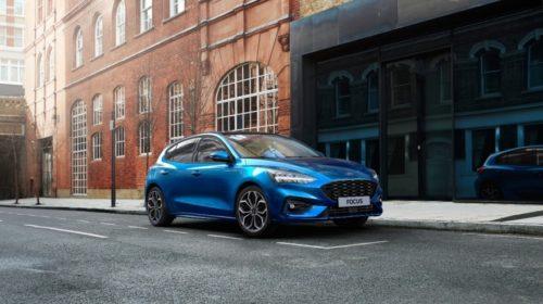 Ford introduce una versione elettrificata anche per Focus