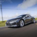 Lexus innalza le prestazioni dinamiche nella prima evoluzione della sua ammiraglia coupé