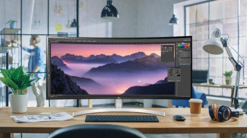 LG annuncia la disponibilità in Italia dei nuovi monitor per professionisti e gamer