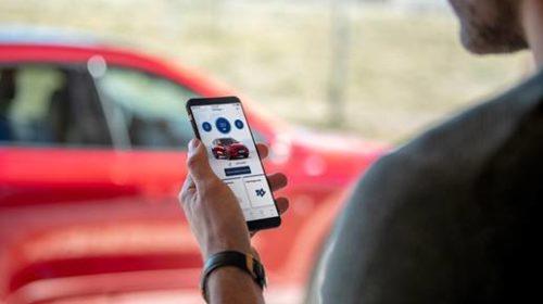 Ford offre ai suoi clienti una gamma di servizi di connettività gratuiti