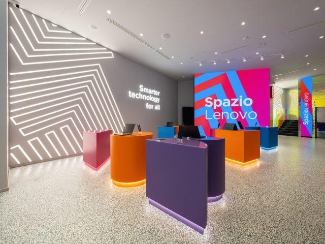 Lenovo inaugura in Italia il primo concept store europeo