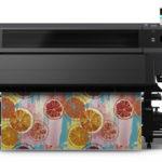 Epson annuncia la sua prima stampante di largo formato con inchiostri in resina