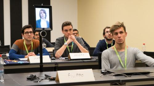 Un robot e un nuovo sistema di videoconferenza da Elmec per la didattica a distanza