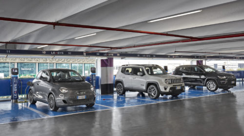 Installate le prime colonnine di ricarica rapida presso il Leasys Mobility Store dell'Aeroporto Leonardo da Vinci