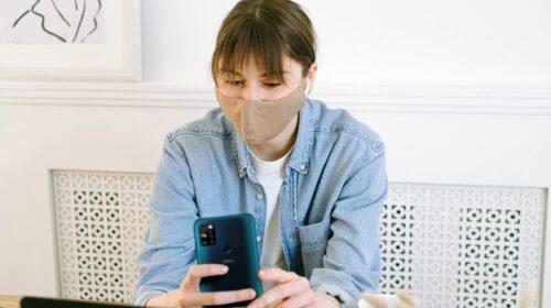 Un anno di Covid: come sono cambiate le nostre abitudini digitali e il nostro rapporto con la tecnologia