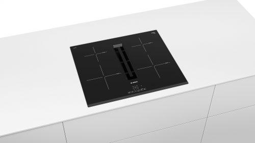 Bosch presenta il nuovo piano a induzione con cappa integrata Serie 4