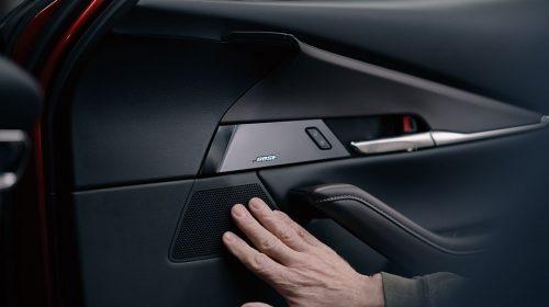 Mazda e Bose sfidano insieme le convenzioni da 30 anni