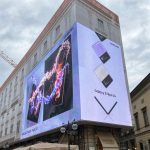 Samsung celebra i nuovi Galaxy Z Flip3 e Z Fold3 con un'installazione pubblicitaria all'insegna dell'innovazione